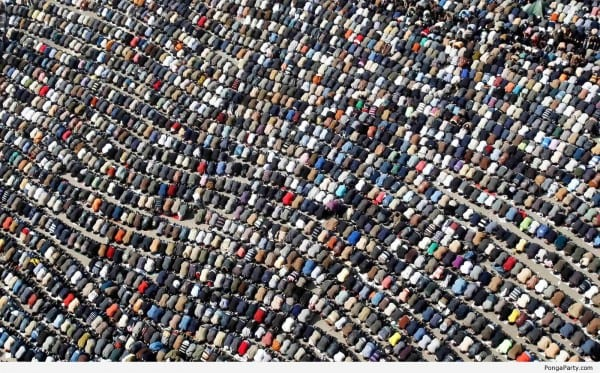 Muslims-praying-600x373