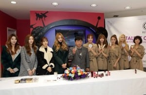Talent Cosmetics CEO Kang Sung-jin and K-pop girl groups Bestie and LPG pose in Seoul (Talent Cosmetics)