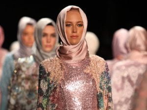 Usa Muslim Fashion Designer Makes History With Hijab Collection Halalfocus Net Daily Halal Market News